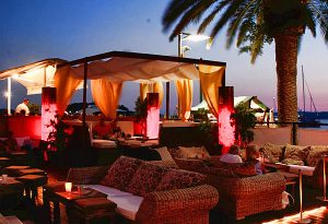 carpe-diem-bar-holiday-apartments-hvar