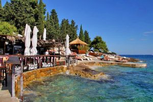 hula-beach-holiday-apartments-hvar